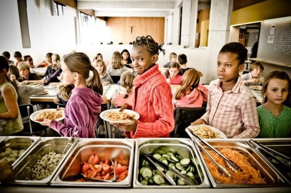 Alsmaar meer kinderen zonder brooddoos naar school