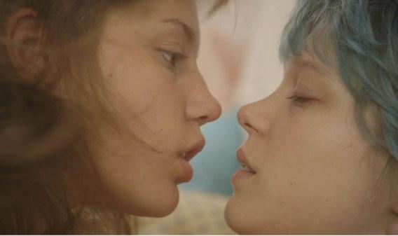 Adèle Exarchopoulos (links) in 'La vie d'Adèle': 'Aan de seksscène hebben we tien lange dagen gefilmd.'