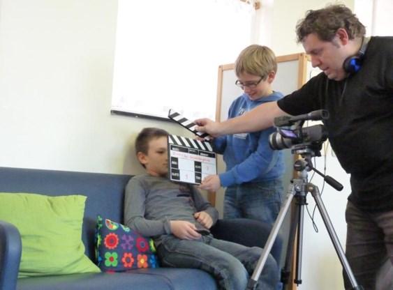 Federico Marino tijdens de opname van zijn film met autistische jongeren.