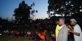Oeganda - 'Wij kunnen ook staken': Dove leerlingen winnen protest tegen corruptie en zetten trots de schooldeuren open