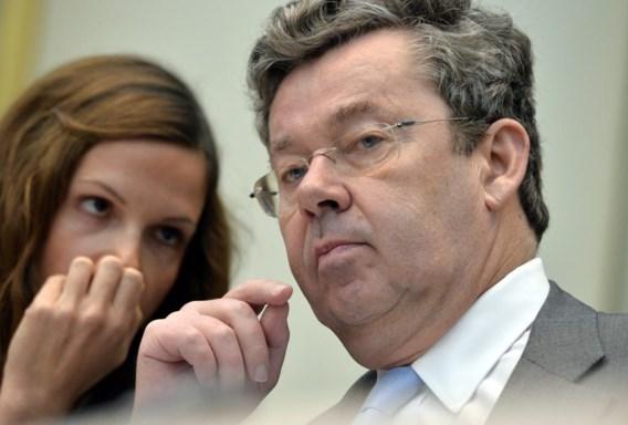 Didier Bellens (met zijn medewerkster Sandrine Nelissen) deed de mond van de parlementsleden soms van verbazing openvallen.