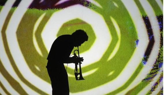 In 'Mile(s)tone' vertaalt Zonzo de muziek van Miles Davis naar jonge oren.