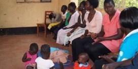 Noord-Oeganda – 'Niet bang zijn, Kony is weg. Het is vrede nu'.   Twintig jaar oorlog laat sporen na bij de Oegandese dovengemeenschap