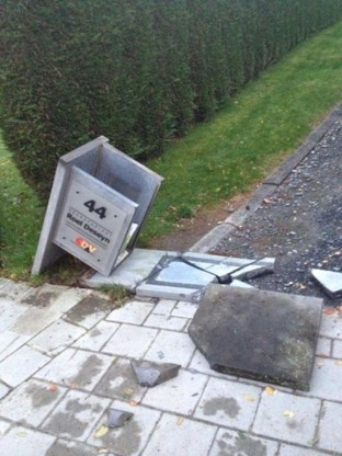 Mailbox Kamerlid Deseyn nu ook letterlijk gekraakt