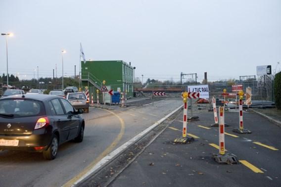 Tunnelkoker in recordtempo onder treinsporen in Roeselare