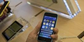 Base: 'Apple straft zijn eigen klanten'