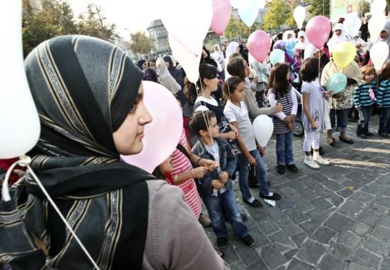 Antwerpen, 27 september 2009: een betoging tegen het hoofddoekenverbod van de groep 'Vrije keuze'.