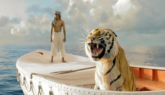 De tijger uit 'Life of Pi' verdronk bijna in een watertank.