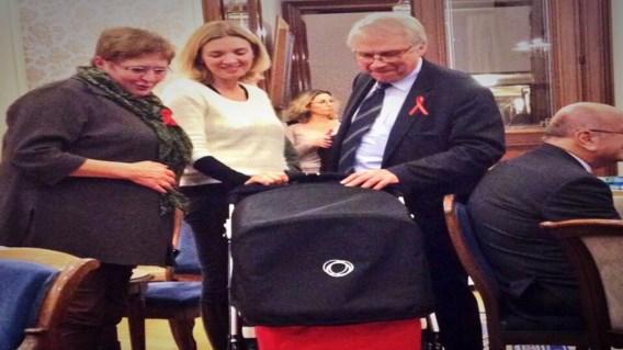 Freya Piryns met baby naar Senaat