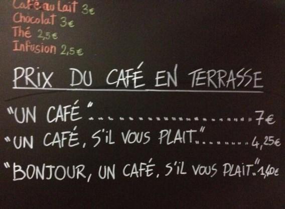 Frans café doet onbeleefde klanten meer betalen