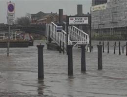 Storm eist vier levens in Groot-Brittannië