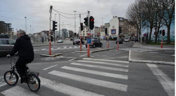 Het kruispunt waar de fietser in de rug werd geschoten.
