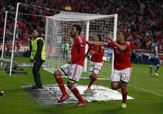 Defour ziet Benfica Portugese topper winnen