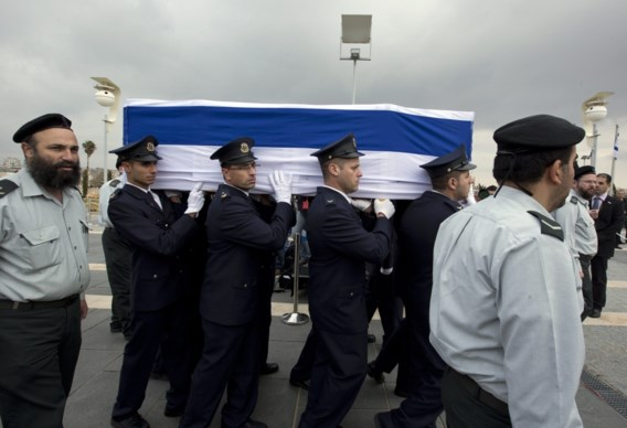 Israëli's brengen laatste groet aan Sharon