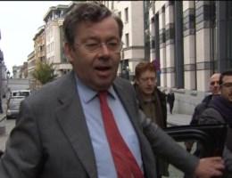 Bellens eist 5.000.000 euro van Belgacom