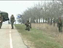 Drie luchthavens bezet op de Krim