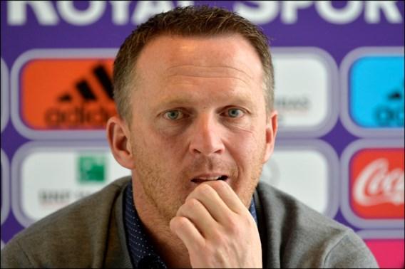 Van den Brom ontslagen, Anderlecht communiceert pas morgen