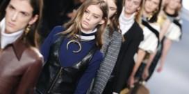 IN BEELD. Nicholas Ghesquière debuteert bij Louis Vuitton
