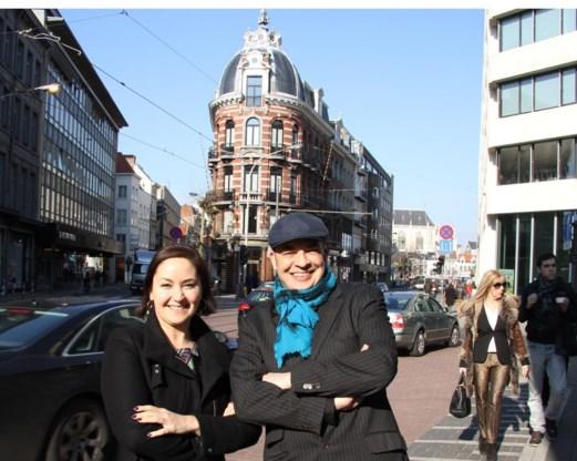 Schepen Nabilla Ait Daoud en Nico Volckeryck van Unizo merken op dat het effect van zo'n winkelboulevard snel voelbaar is.