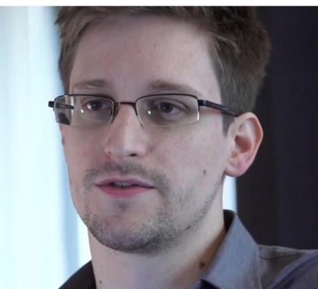 'Duitse regering ging onder druk van de NSA door de knieën'