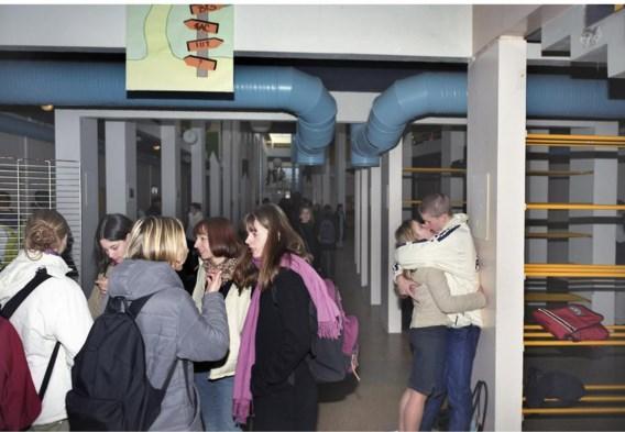Een kus in een gang op school: 'Seksualiteit is voor scholen een beladen thema.'