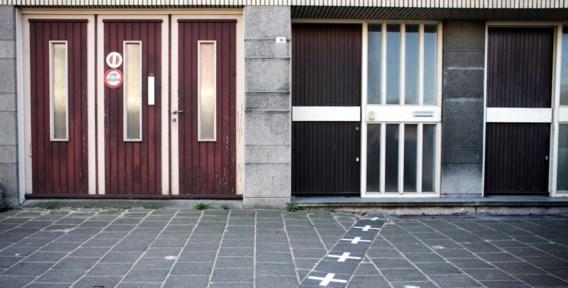 Links België, rechts Nederland.