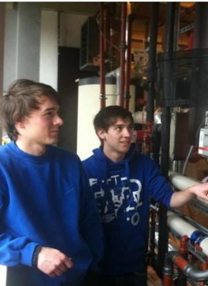 De studenten Elektromechanica nemen het preventieve onderhoud op zich.