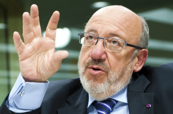 'Ontslagen' medewerker Louis Michel staat nog op loonlijst