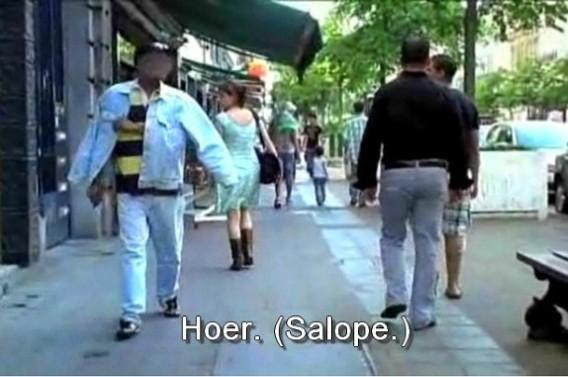 """'Seksisme is niet alleen een probleem van gekleurde macho's in """"Femme de la rue"""".'"""