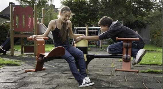 Kinderen leren een taal het vlotst als ze aan het spelen zijn.