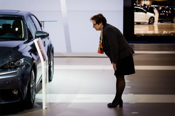 Wat constructeurs op het infobord op het autosalon aan de consument beloven, blijkt in de realiteit niet altijd te kloppen.