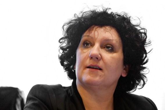Turtelboom wil terug naar oorspronkelijk voorstel over familienamen