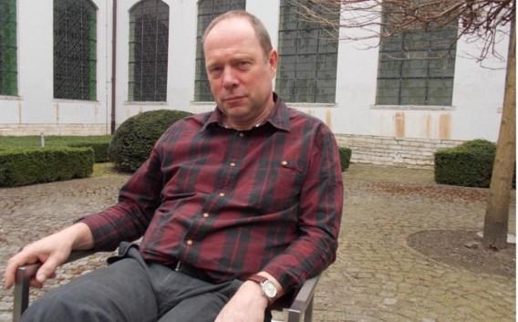 Volgens Theo Vanderstukken brengt de huidige situatie de toekomst van heel wat kinderen in het gedrang.