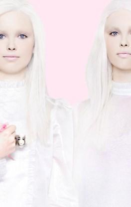 Trend 5In het blootjeOok de nudelook heeft een update gekregen. Voorbij zijn de heroïne-chic en grauwe eerlijkheid. Nude betekent dezer dagen gezondheid, een jeugdige blos en een frisse, sportieve glans. Foundation: Le Teint Touche Éclat, YSLOgen: Paint Pot: Stormy Pink, Painterly & Camel Coat, M.A.CLippen: Rouge Pur Couture: Rebel Nudes 101, YSLTransparante jurkjes, Véronique BranquinhoRing,Chanel