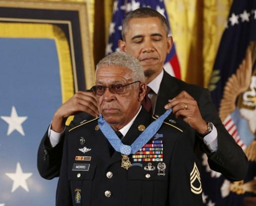 Obama reikt gediscrimineerde soldaten alsnog eremedaille uit