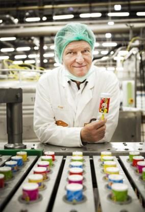 Peter Janssen is tevreden. De nieuwe Bumba-ijsjes gaan vlot over de toonbank.