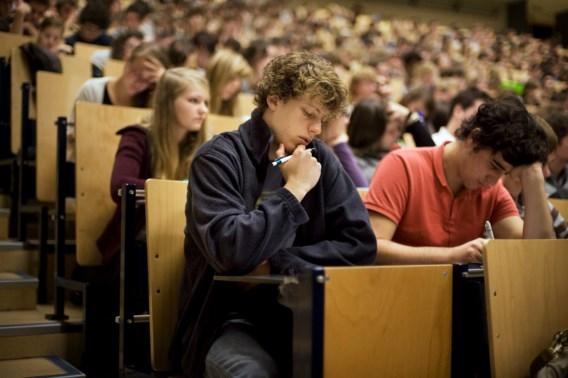 Studenten stellen examens vaker uit