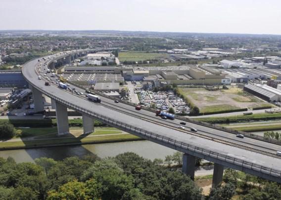 Volgens de Vilvoordse burgemeester zal het viaduct van Vilvoorde aan weerskanten een hoop extra bewegingen moeten slikken.