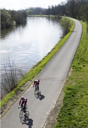 Vanaf volgende week zullen wielertoeristen op de rem moeten staan op kleine baantjes.