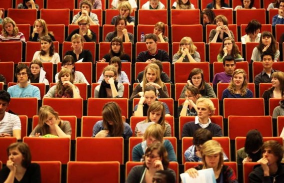 Moeten slechte studenten binnenkort verplicht van richting veranderen?