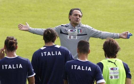 Prandelli blijft ook na het WK bondscoach van Italië