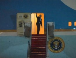 Obama is op weg naar Nederland