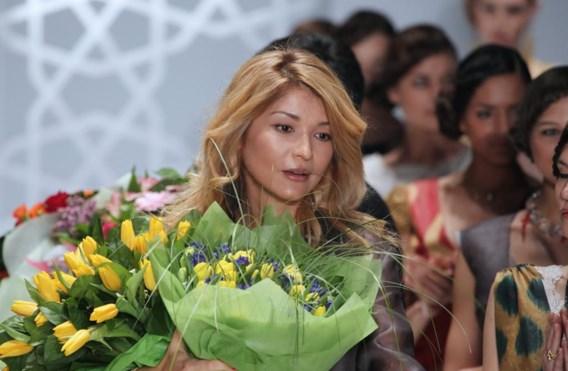 Gulnara Karimova in betere tijden, haar eigen kledinglijn showend.