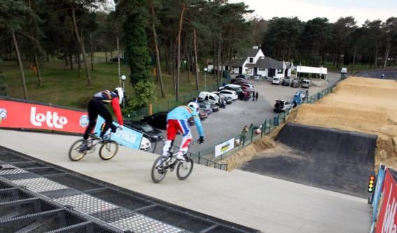 Op Circuit Zolder werd een Olympische BMX-startheuvel geopend.