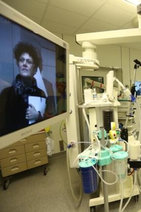 Flatscreens in de operatiekamers.