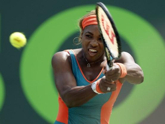 Titelverdedigster Serena Williams voorbij Sharapova naar finale in Miami