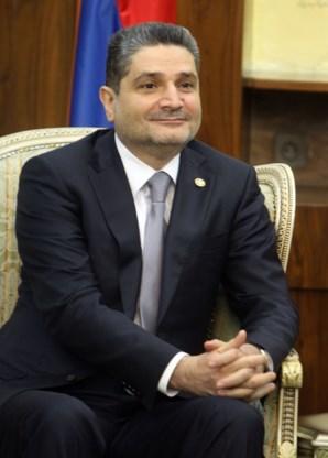 Armeense premier neemt ontslag