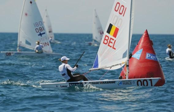 Evi Van Acker klimt naar derde plaats