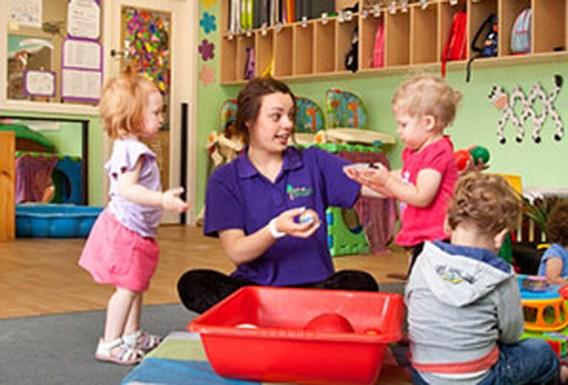 Kost kinderopvang grootste barrière voor carrière vrouwen