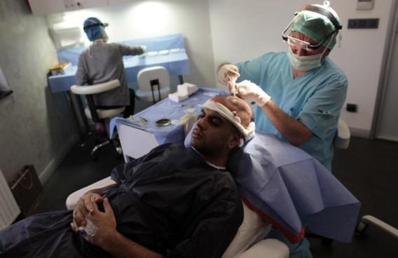 De 27-jarige Brit Fahad Ali is overgevlogen naar Istanbul voor een haartransplantatie.